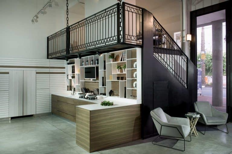 מטבח מודרני - אורבן משתלב בחדר סטודיו